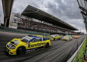 Lucas di Grassi lidera la carrera.