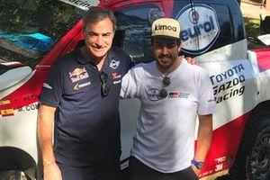 Fernando Alonso, Toyota Gazoo Racing, con Carlos Sainz
