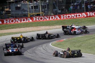 Tony Kanaan, A.J. Foyt Enterprises Chevrolet, Marcus Ericsson, Arrow Schmidt Peterson Motorsports Honda