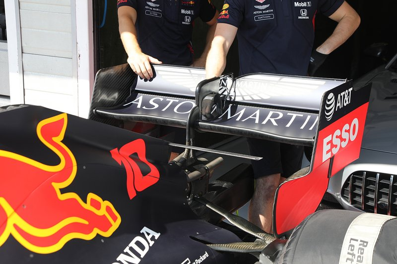 Red Bull Racing RB15, arka kanat