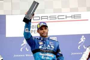Podium: Race winner Dylan Pereira, Momo Megatron Lechner Racing