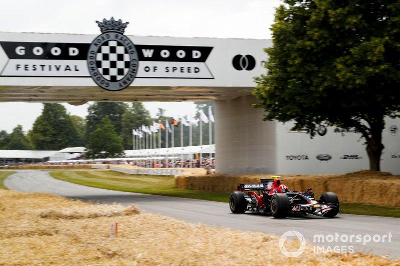 Toro-Rosso-Ferrari STR03