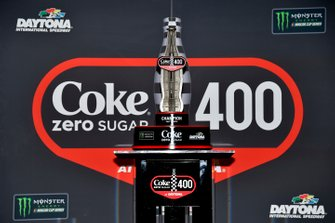 Siegertrophäe: Coke Zero Sugar 400 in Daytona