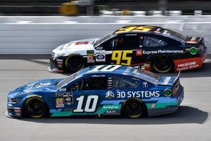 Aric Almirola, Stewart-Haas Racing, Ford Mustang 3D Systems and Matt DiBenedetto, Leavine Family Racing, Toyota Camry Toyota Express Maintenance