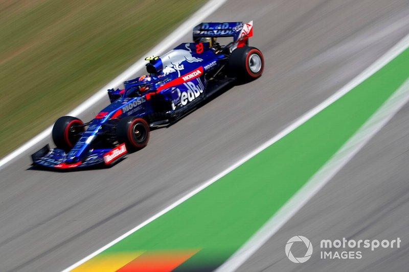16. Александр Элбон (Toro Rosso) – 1:13,461