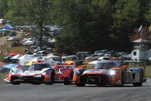 #6 Acura Team Penske Acura DPi: Juan Pablo Montoya, Dane Cameron, Simon Pagenaud #54 Core autosport Nissan DPi: Jonathan Bennett, Colin Braun, Romain Dumas