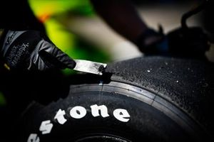 Un pneu de Simon Pagenaud, Team Penske Chevrolet