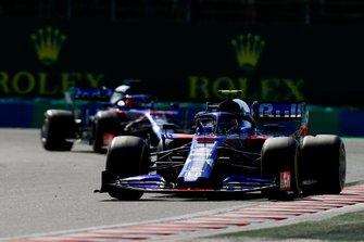 Alexander Albon, Toro Rosso STR14, voor Daniil Kvyat, Toro Rosso STR14