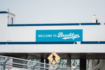 Insegna Welcome to Brooklyn