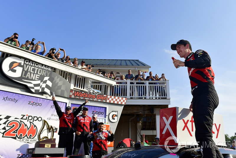 Race winner Joey Logano, Team Penske, Ford Mustang Snap On