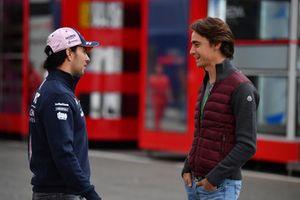 Гонщик Racing Point Force India F1 Серхио Перес и Эстебан Гутьеррес