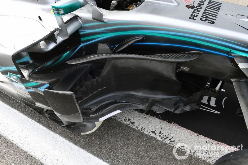 Vue détaillée des délfecteurs de Mercedes-AMG F1 W09
