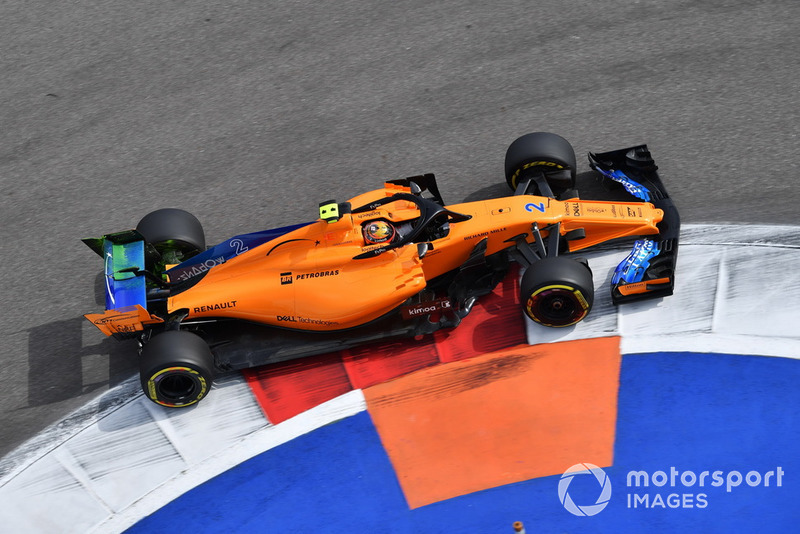 Stoffel Vandoorne, McLaren MCL33 con parafina