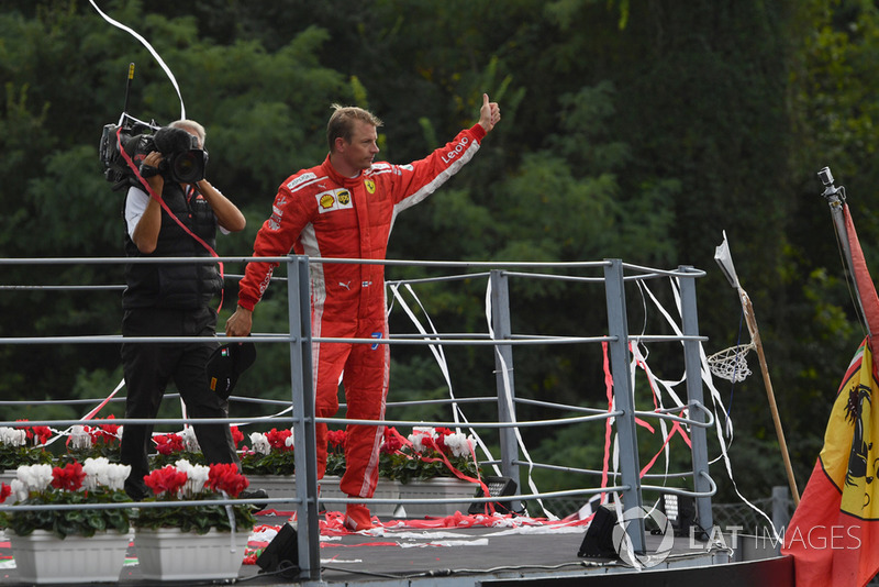 Le deuxième, Kimi Raikkonen, Ferrari sur le podium