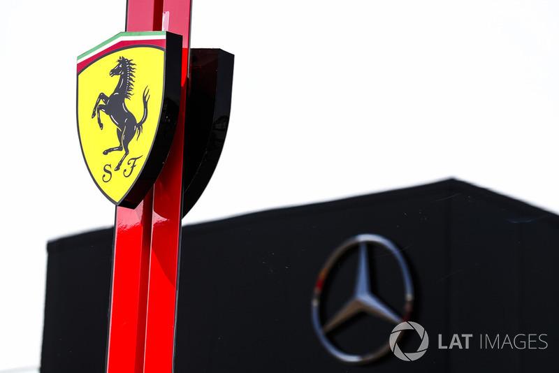 Моторхоумы Ferrari и Mercedes