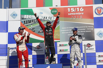 Podio TCR-DSG Gara 1: Giovanni Altoè, Pit Lane Competizioni, Alessandro Thellung, Matteo Greco