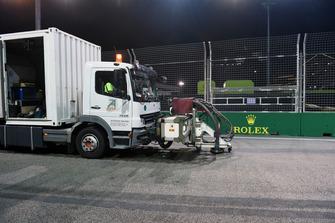 Un camion de nettoyage de la piste