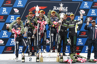 Podium: race winners Jamie Whincup, Paul Dumbrell, Triple Eight Race Engineering Holden, second place Shane van Gisbergen, Earl Bamber, Triple Eight Race Engineering Holden, third place third place Craig Lowndes, Steven Richards, Triple Eight Race Engineering Holden