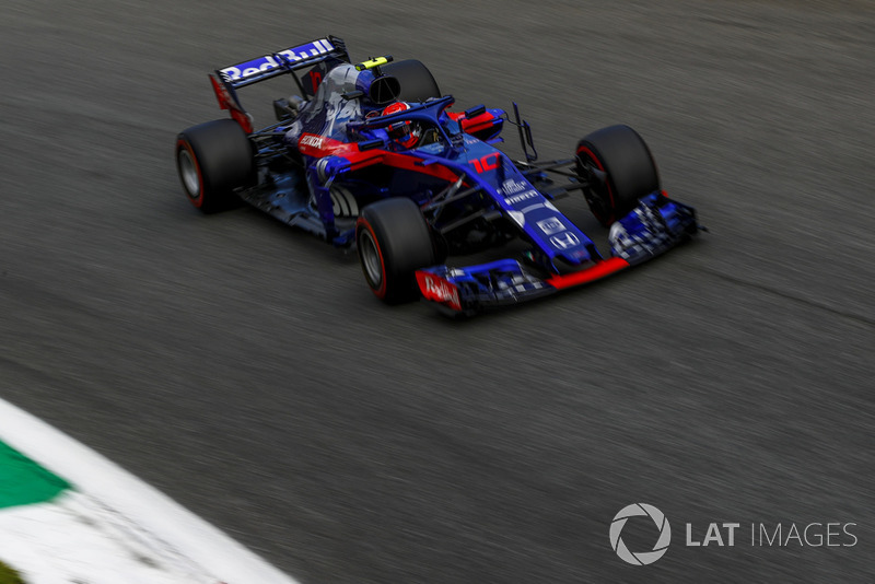 Gasly makes it through to Q3