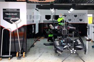 TAG Heuer Porsche Formula E Team garaje