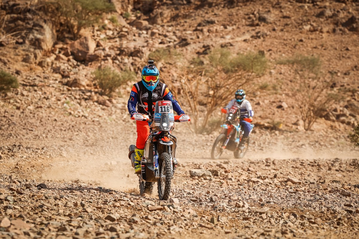 #116 Team Baines Rally KTM: Erick Blandin, #117 The Kalahari Madala Yamaha: James Alexander