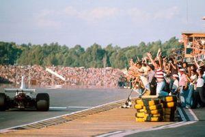 3. Carlos Reutemann, Brabham BT44B