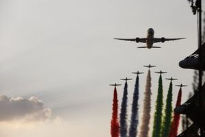 Al Fursan escort a Boeing 787 Dreamliner of Etihad in their Aermacchi MB-339NAT's