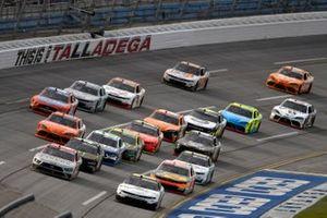 A.J. Allmendinger, Kaulig Racing, Chevrolet Camaro Hyperice and Austin Cindric, Team Penske, Ford Mustang Snap-On