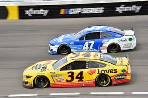 Michael McDowell, Front Row Motorsports, Ford Mustang Love's Travel Stops, Ricky Stenhouse Jr., JTG Daugherty Racing, Chevrolet Camaro Kroger