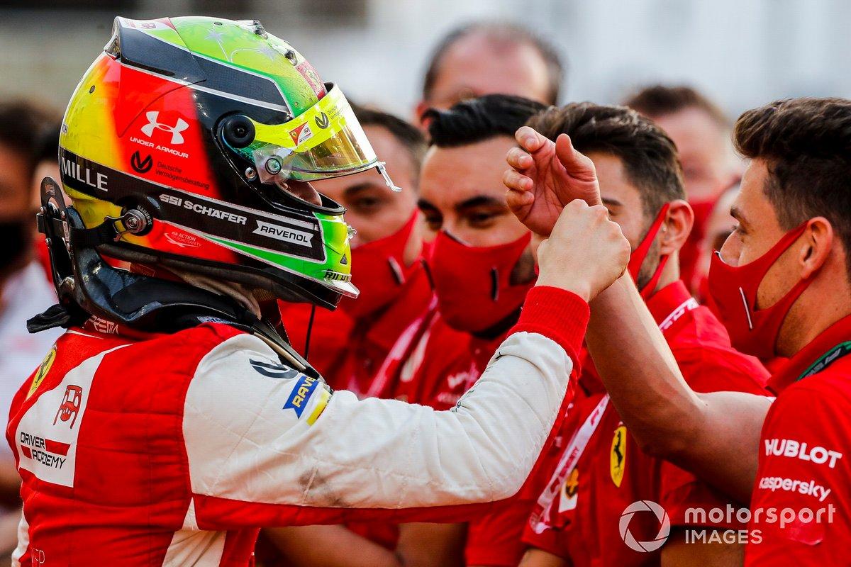 F2 Champion Mick Schumacher, Prema Racing festeggia al Parc Ferme