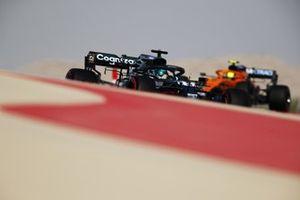 Lance Stroll, Aston Martin AMR21, Lando Norris, McLaren MCL35M