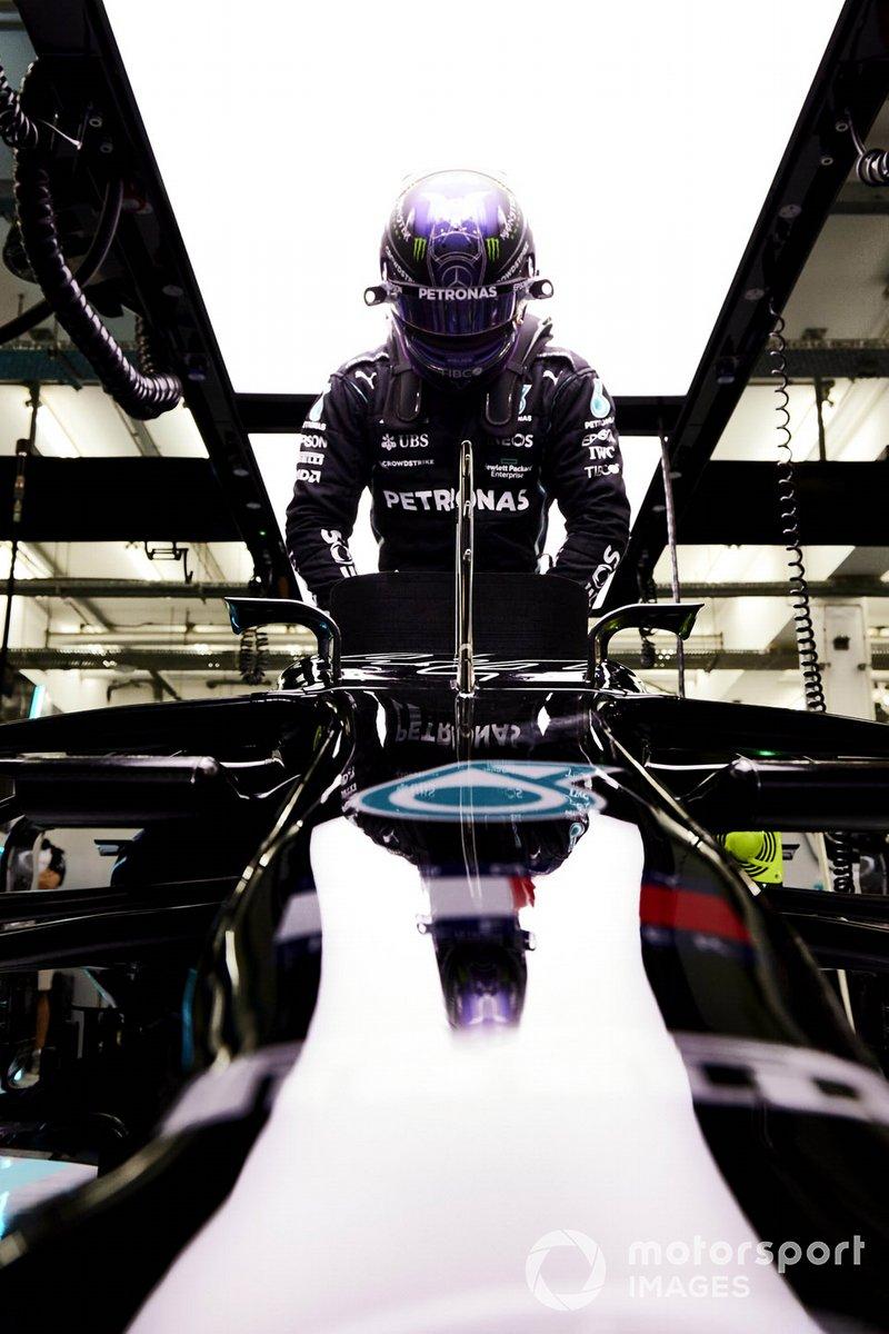Lewis Hamilton, Mercedes, nell'abitacolo