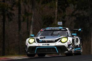 #18 KCMG Porsche 911 GT3 R: Edoardo Liberati, Marco Holzer