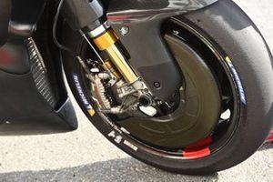 Detalle de la moto de pruebas del equipo Ducati