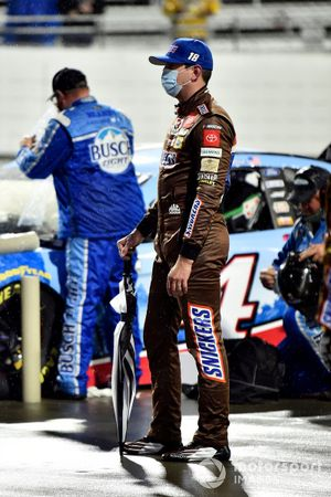 Kyle Busch, Joe Gibbs Racing, Toyota Camry Snickers Peanut Brownie