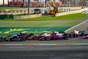 Marcus Armstrong, ART Grand Prix leads Louis Deletraz, Charouz Racing System, Mick Schumacher, Prema Racing, Roy Nissany, Trident and Marino Sato, Trident