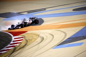Nikita Mazepin, Haas VF-21, spins in Q1
