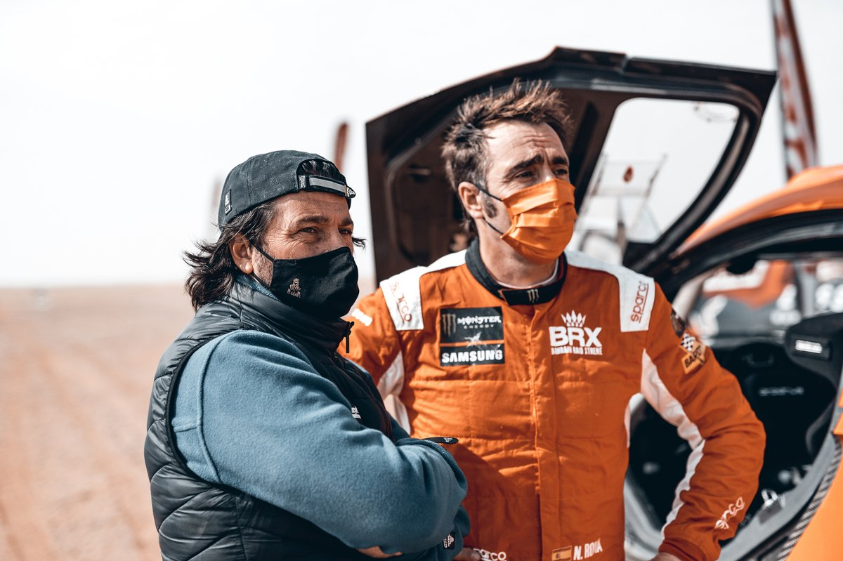 David, director del Dakar, y #311 Bahrain Raid Xtreme Hunter: Nani Roma
