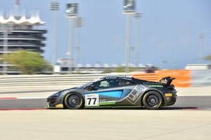 #77 Optimum Motorsport, McLaren 570 GT4: Jan Klingelnberg, Warren Hughes, Lars Dahmann, Charlie Hollings