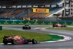 Lewis Hamilton, Mercedes F1 W11, Max Verstappen, Red Bull Racing RB16