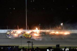 Brad Keselowski, Team Penske, Ford Mustang Discount Tire and Austin Cindric, Team Penske, Ford Mustang Verizon 5G