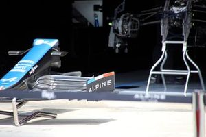 Alpine A521 front wing