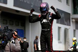 Le vainqueur Kelvin van der Linde, Abt Sportsline