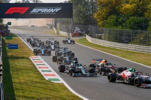 Antonio Giovinazzi, Alfa Romeo Racing C41, Sergio Perez, Red Bull Racing RB16B, Lance Stroll, Aston Martin AMR21, and Sebastian Vettel, Aston Martin AMR21