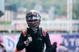 Dan Ticktum, Carlin, 1st position, celebrates in Parc Ferme