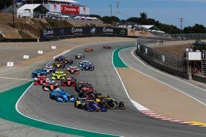 Start zum Grand Prix von Monterey der IndyCar-Saison 2021 auf dem Laguna Seca Raceway: Alexander Rossi, Andretti Autosport Honda, führt