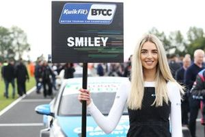 Chris Smiley, Excelr8 Trade Price Cars Hyundai i30 Fastback N Performance - Grid Girl