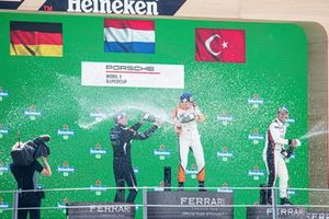 Podium : le vainqueur Larry ten Voorde, GP Elite, deuxième place Laurin Heinrich, Huber Racing, troisième place Ayhancan Güven, BWT Lechner Racing