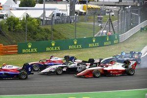 Jack Doohan, Trident, Frederik Vesti, ART Grand Prix and Dennis Hauger, Prema Racing at the start of the race