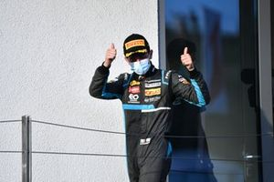 Race Winner Matteo Nannini, HWA Racelab celebrates on the podium